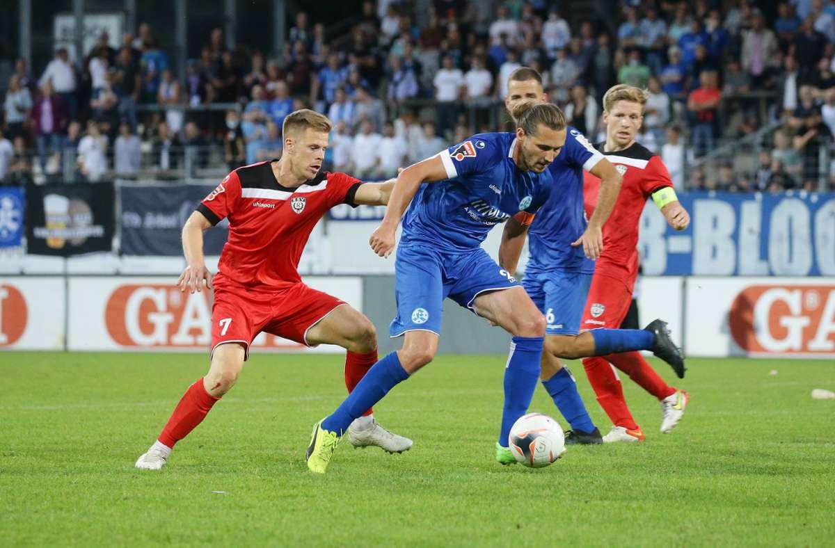Die Stuttgarter Kickers und Mijo Tunjic im Derby gegen den SSV Reutlingen. Klicken Sie sich durch: In unserer Fotostrecke zeigen wir Eindrücke des Spiels. Foto: Baumann/Hansjürgen Britsch