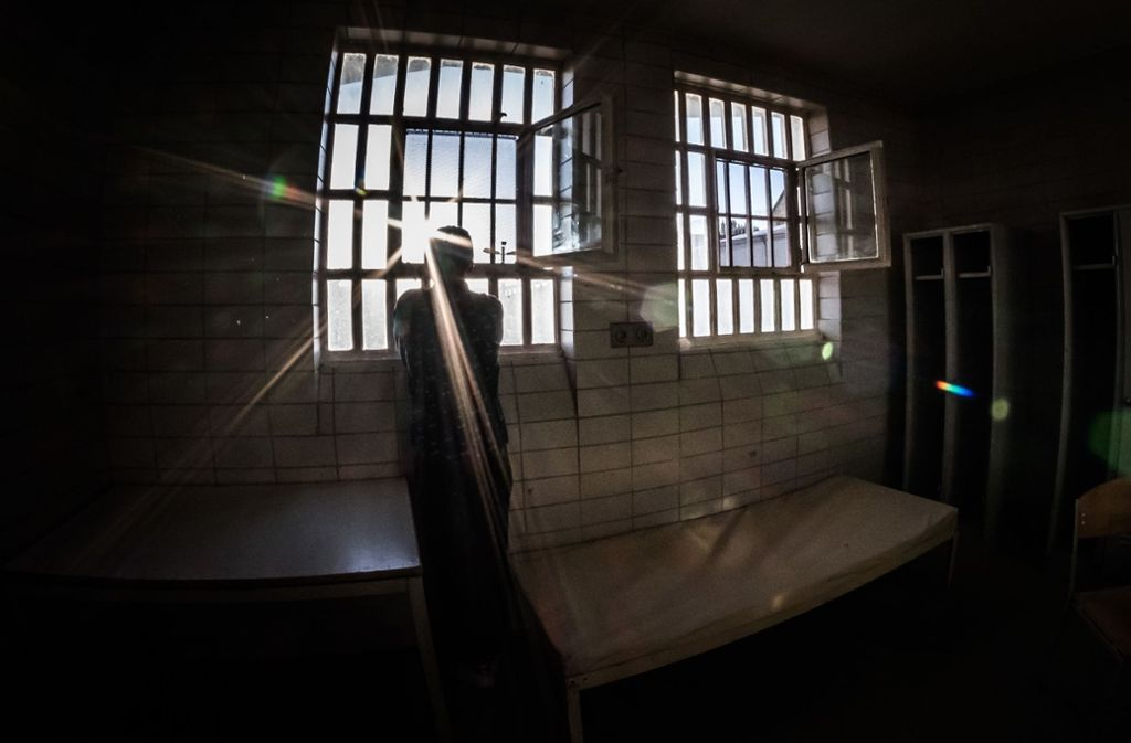 Der Angeklagte wird für seine Zeit in der Untersuchungshaft entschädigt. Foto: Lichtgut/Max Kovalenko