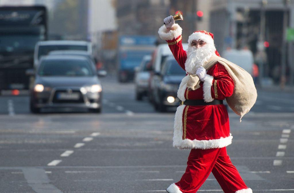Es gibt ihn gar nicht? Eine Lehrerin in den USA enttarnte den Weihnachtsmann vor Schülern als Märchen. Foto: dpa