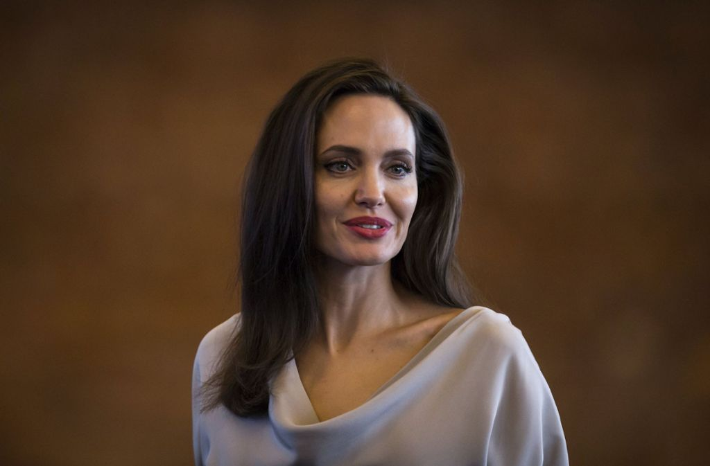 Hat in einem offenen Brief an ihre verstorbene Mutter erinnert: die US-Schauspielerin Angelina Jolie (44) Foto: dpa/Darryl Dyck