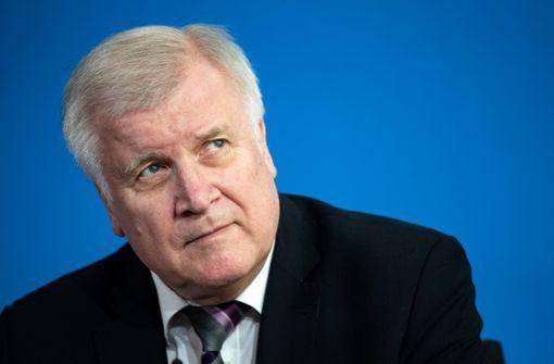 Horst Seehofer verbietet rechtsextreme Gruppe