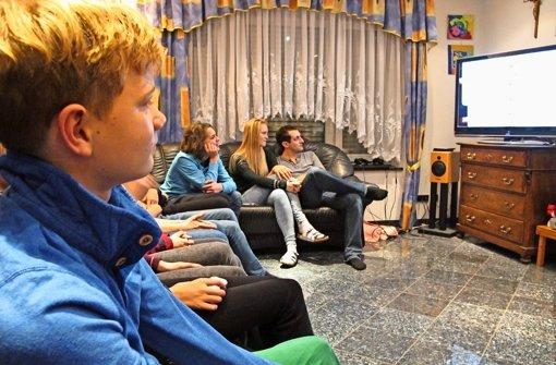 Mit dem Papst-Experten vor dem Fernseher