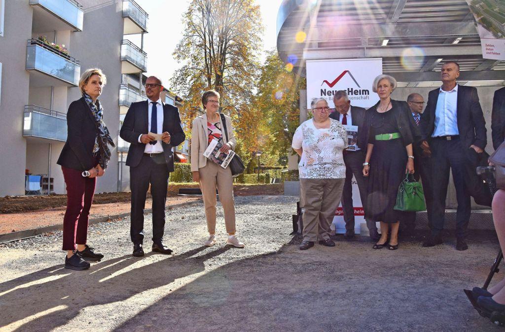 Die Gruppe um Ministerin Hoffmeister-Kraut (l.)  war unterwegs in Giebel. Foto: