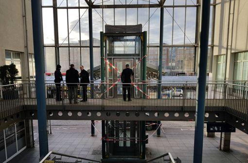 Aufzug-Absturz: Zwei Senioren müssen ins Krankenhaus