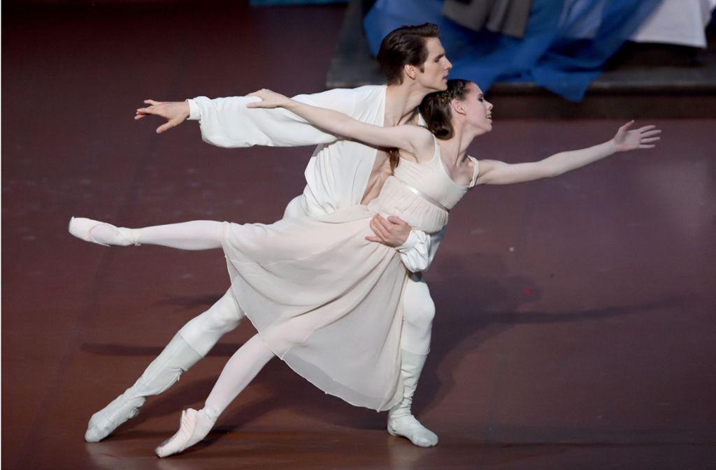 """Elisa Badenes und David Moore tanzten schon über die große Kinoleinwand; nun zeigt das Stuttgarter Ballett John Crankos """"Romeo und Julia""""  für kurze Zeit online. Wo sonst noch erstklassig und gratis im Netz getanzt wird, verraten wir in unserer Bildergalerie. Foto:Stuttgarter Ballett Foto:"""