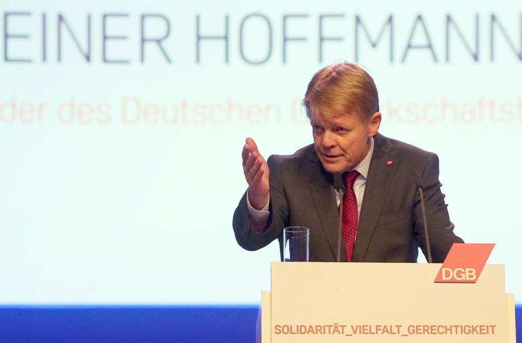 DGB-Chef Reiner Hoffmann will mit gerechteren Verhältnissen auch die AfD bekämpfen. Foto: dpa