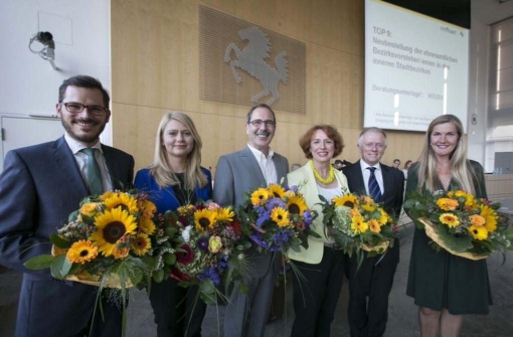 Die fünf Bezirksvorsteher sind gewählt – aber nur Tatjana Strohmaier (Zweite von links) konnte mir ihrem Ergebnis nicht zufrieden sein. In der Bilderstrecke zeigen wir die Bezirksvorsteher. Foto: Michael Steinert