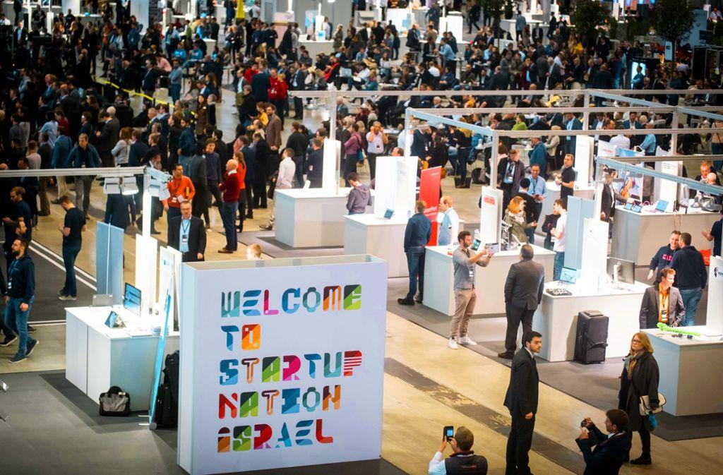 Mit gleich 20 Start-ups war das Gastland Israel präsent (l.). Baden-Württembergische  Start-ups zeigten, dass Gründen nicht nur High-Tech bedeutet. Foto: Lichtgut/Achim Zweygarth