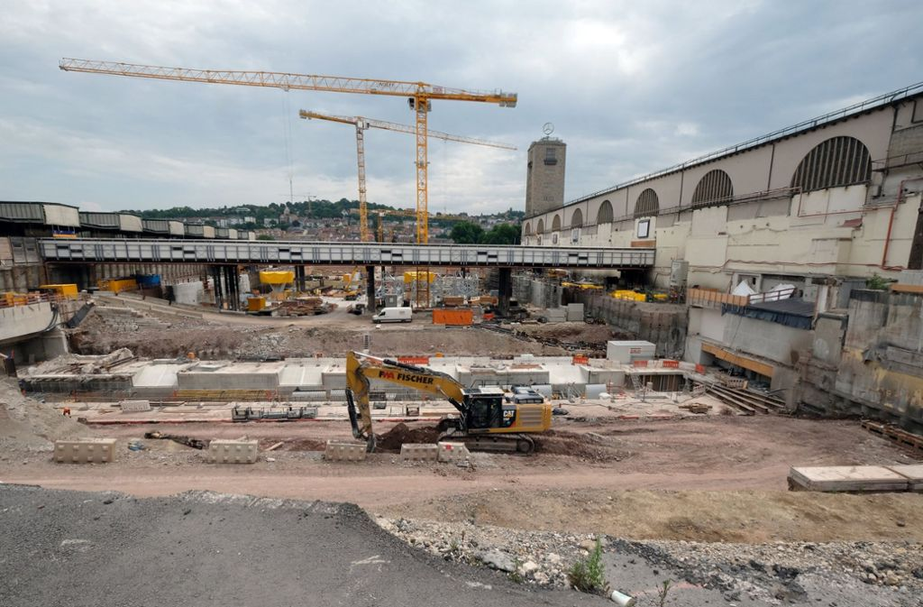 Die Baustelle am Stuttgarter Hauptbahnhof: Das Projekt Stuttgart 21 kommt voran – allerdings mit erheblicher Zeitverzögerung. Foto: dpa