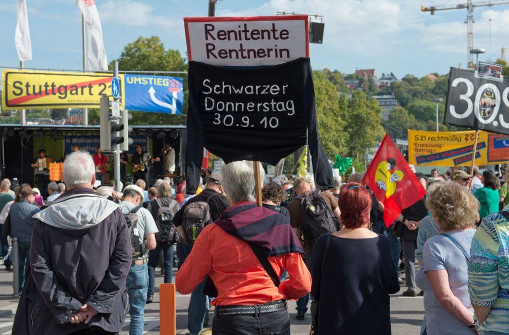Immer wieder erinnern S21-Demonstranten an die von Gewalt überschatteten Proteste am Schwarzen Donnerstag (Archivbild). Foto: Lichtgut - Oliver Willikonsky