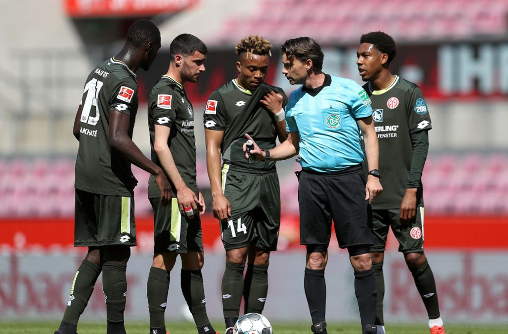 Schiedsrichter Guido Winkmann pfiff die Partie Köln gegen Mainz. Foto: dpa/Lars Baron