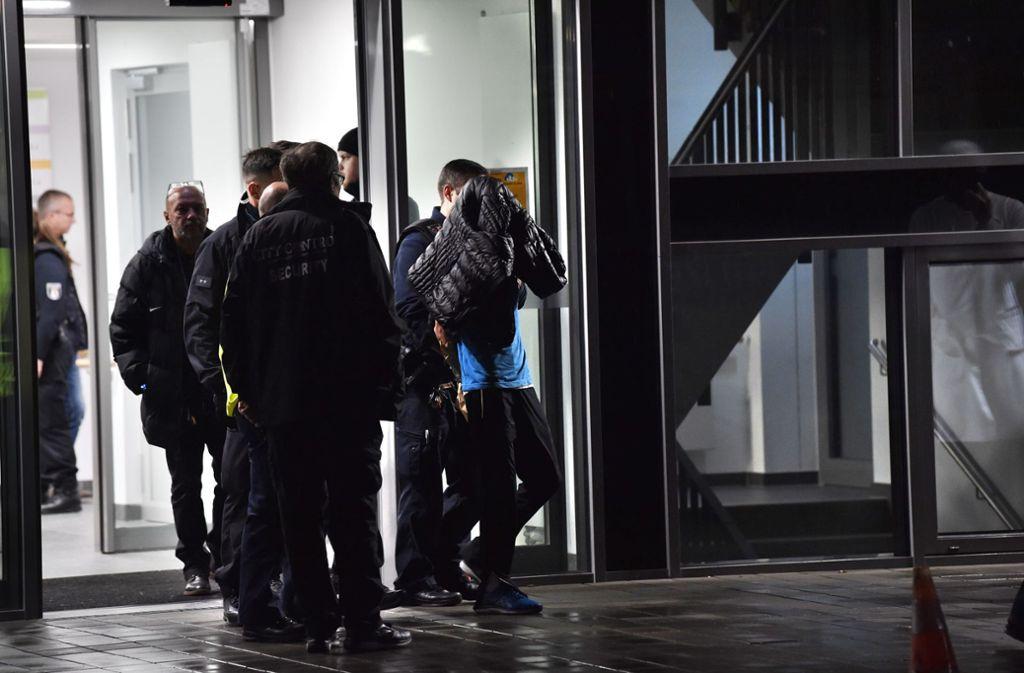 Ein Tatverdächtiger wurde festgenommen. Foto: dpa/Paul Zinken