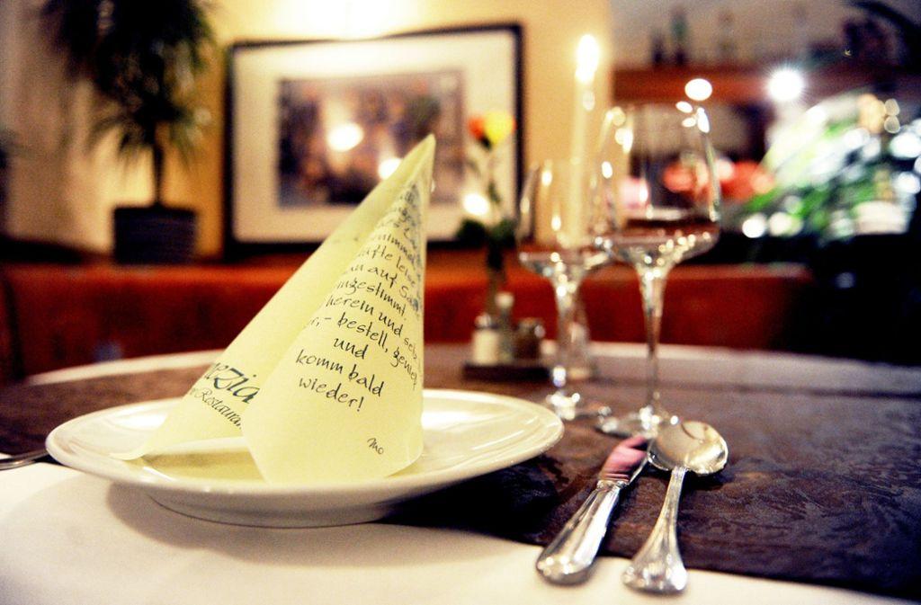 In deutschen Gaststätten und Biergärten gibt es einige Rechte und Pflichten von Gästen. Foto: dpa