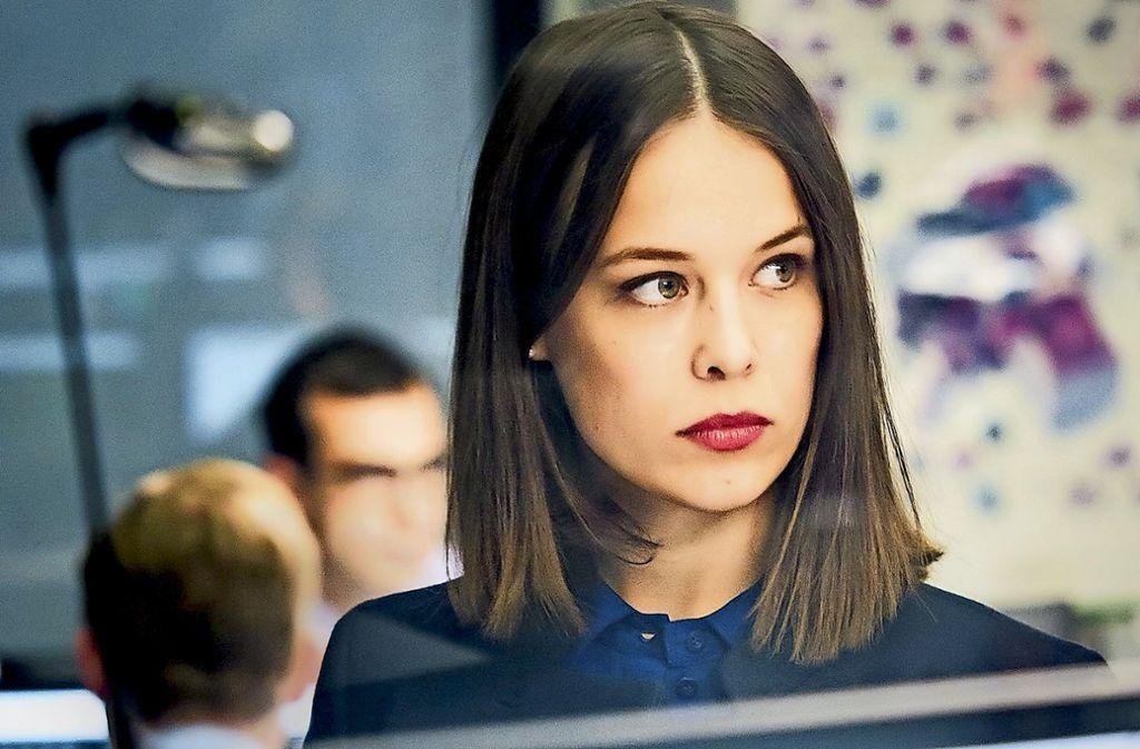 Paula Beer spielt Jana Liekam, die  Jungbankerin zwischen Gier und Überforderung. Foto: ZDF