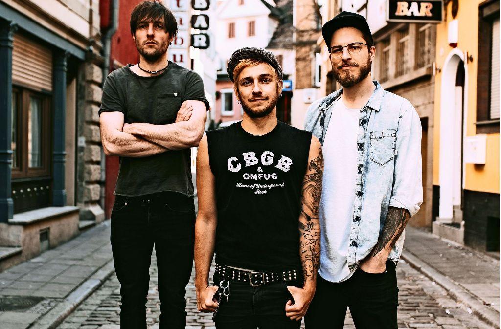 Sänger Daniel Friedl (Mitte) mit seiner Band Itchy. Sänger Daniel Friedl (Mitte) mit seiner Band Itchy. Foto: PR