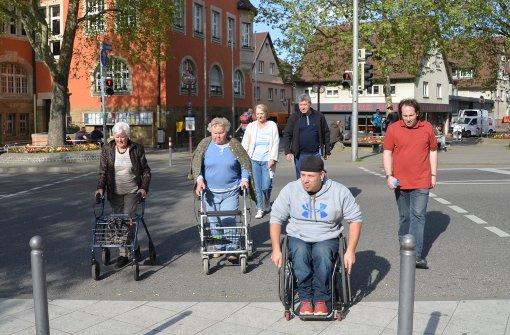 Behindertenbeauftragtem wird ein Bein gestellt