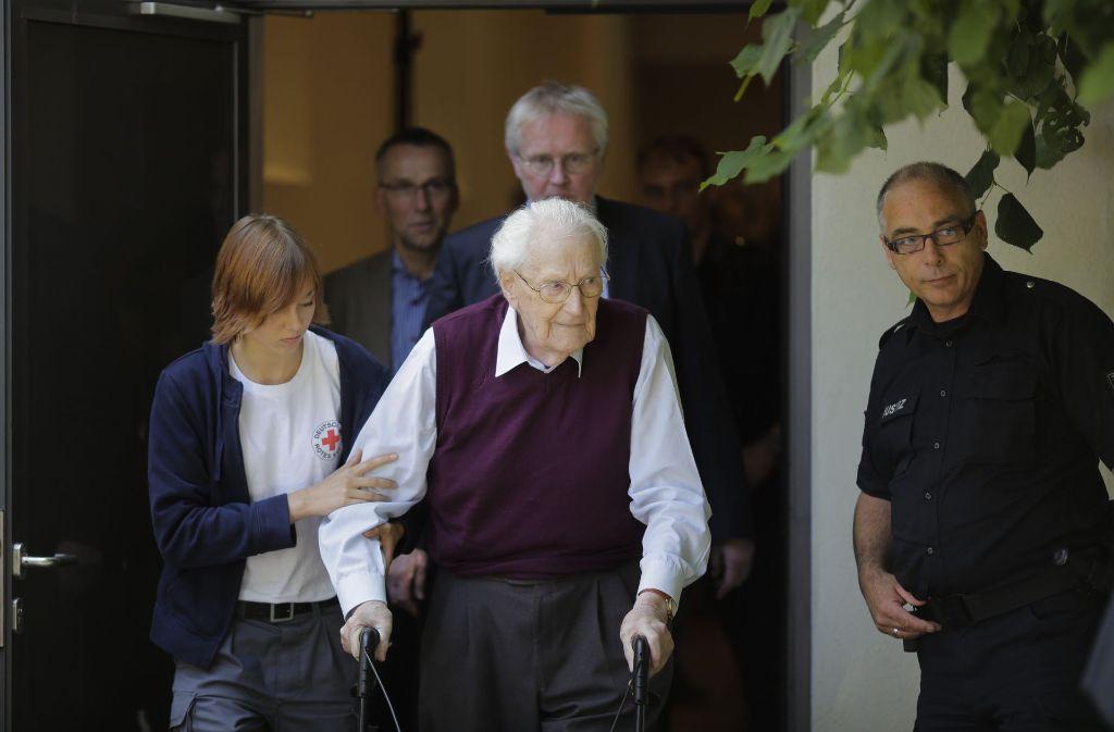 Schon während des Prozesses gegen ihn war Oskar Gröning (93) gebrechlich. Foto: AP