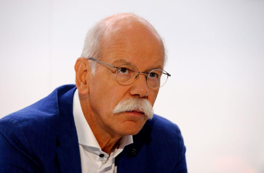 Daimler-Chef Dieter Zetsche wehrt sich gegen das Aus für Verbrennungsmotoren ab 2030. Foto: AFP