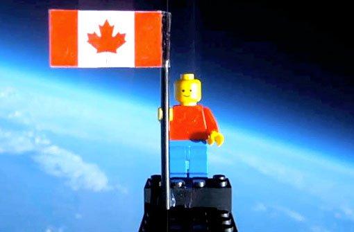 Das Legomännchen über den Wolken