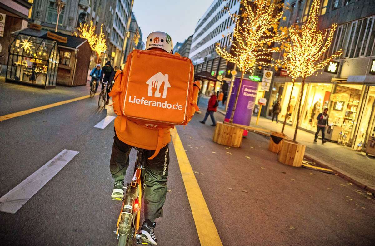 Gehören längst zum Stadtbild: die orangefarbenen Radler Foto: dpa/Michael Kappeler