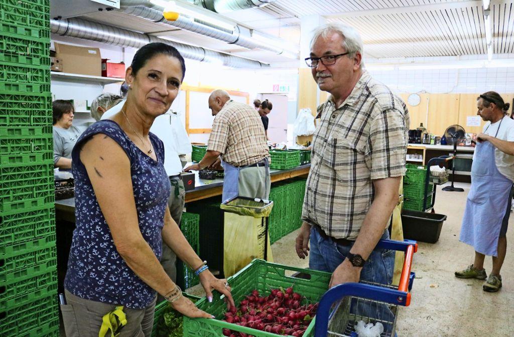 Der Tafelladen in der Fellbacher Wernerstraße steht unter der Leitung  von  Rita Borodin und Helmut Kiefer Foto: Eva Herschmann
