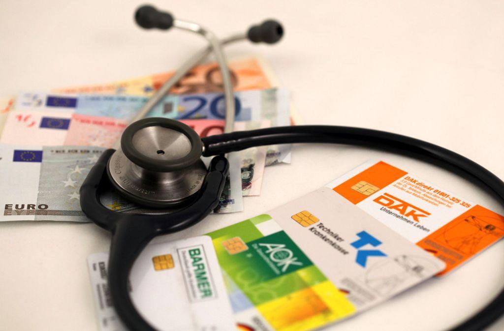 Die gesetzlichen Krankenkassen haben zurzeit hohe Rücklagen. Foto: dpa/Daniel Karmann