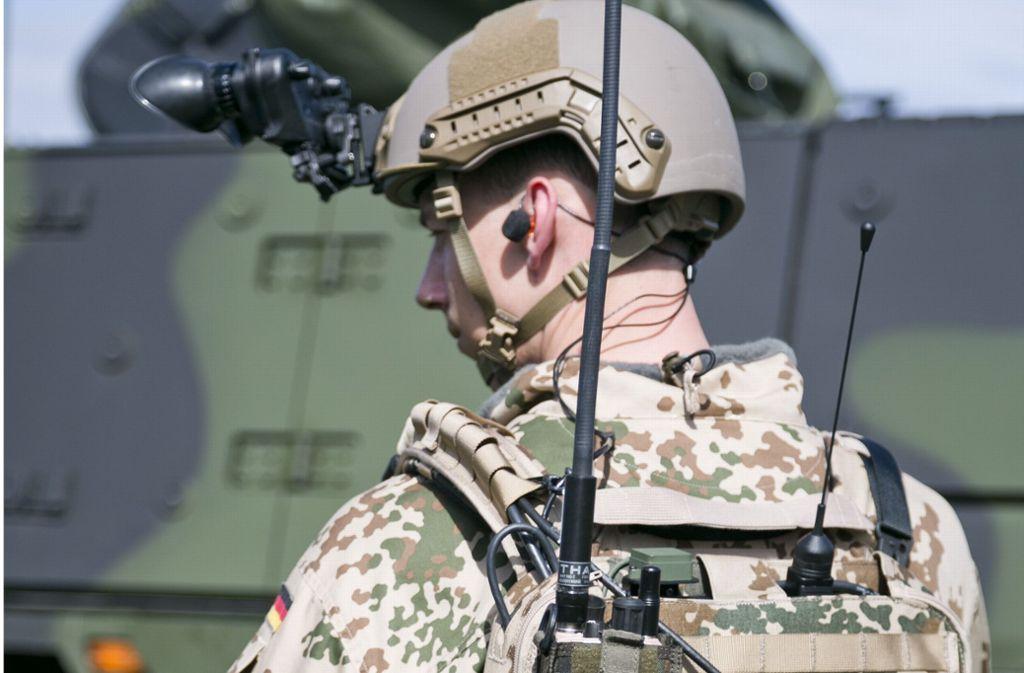 Viele Firmen aus Baden-Württemberg liefern Produkte für militärische Zwecke. Radar-, Funkgeräte und Nachtsichtgeräte für die Bundeswehr kommen etwa von Thales aus Ditzingen. Foto: Thales