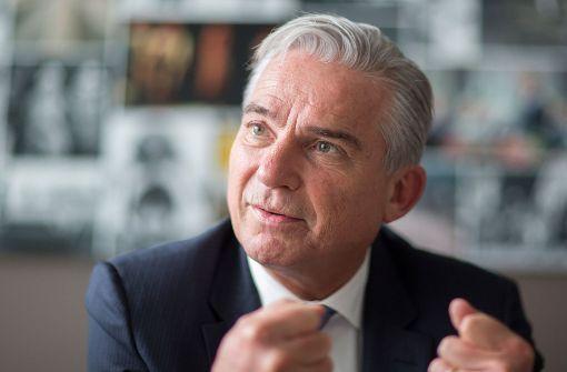 Minister gegen Urlaub von Flüchtlingen im Heimatland