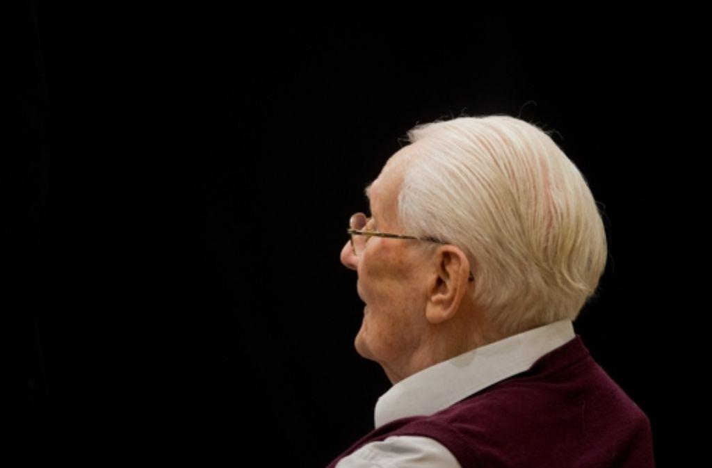 Der frühere SS-Mann Oskar Gröning hat erneut seine Beteiligung und Mitschuld am Holocaust eingeräumt. Foto: dpa Pool