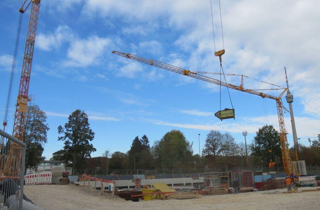 Die Arbeiten für die neue Sporthalle auf der Waldau schreiten voran. Im Sommer wird unter anderem mit dem Bau des Actionplatzes begonnen. Foto: Julia Bosch