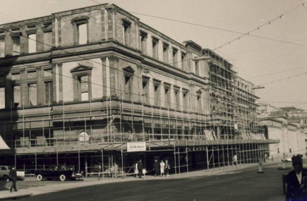 Dort, wo heute das Kunstmuseum steht, stand einst das Kronprinzenpalais. Wie der Name nahelegt, war das Gebäude aus dem Jahr 1849 der Wohnsitz des Kronprinzen Karl.   Foto: VZZZ-Chronist Kurt Däß