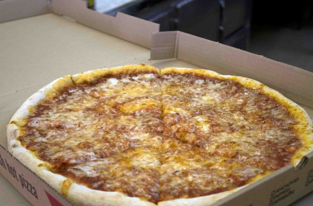Mit den bestellten Pizzen flüchteten die Unbekannten. (Symbolfoto) Foto: AP/J.M. Hirsch