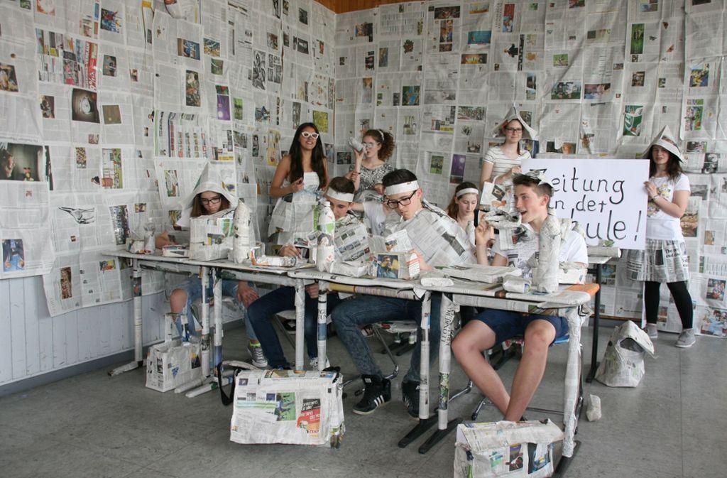 Die Zeitung kommt in die Schule – auch in den Kunstunterricht. Alles ist möglich mit Zisch! Foto: privat