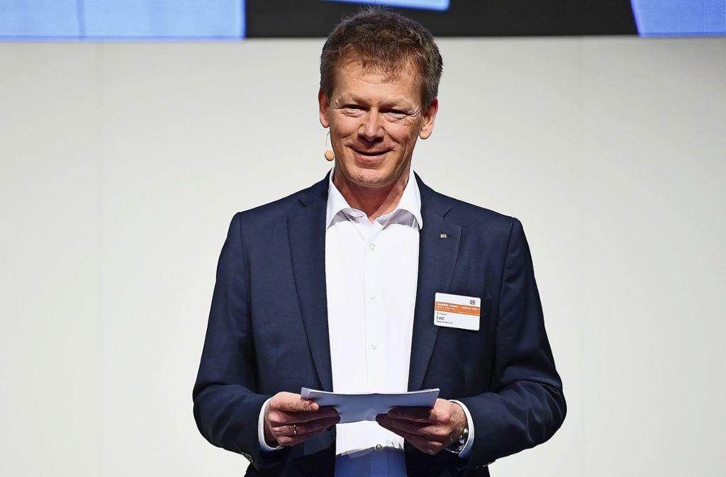 Bahn-Chef Richard Lutz   will die Deutsche Bahn pünktlicher machen – auch mit Einnahmen aus dem kompletten oder auch nur teilweisen Verkauf der britischen Tochter Arriva. Foto: dpa