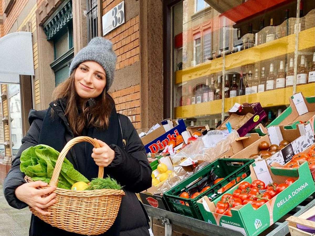 Kulinarisches aus dem Kessel. Die Stuttgarterin Tara Hariri vom mangiare collective verrät uns ihr Rezept für den perfekten Frühlingssalat.  Foto: Joachim Baier