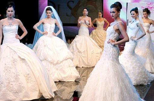 Hunderte Brautkleider und Anzüge gestohlen