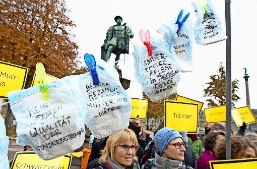 Tagesmütter schicken 1000 Windeln ins Parlament