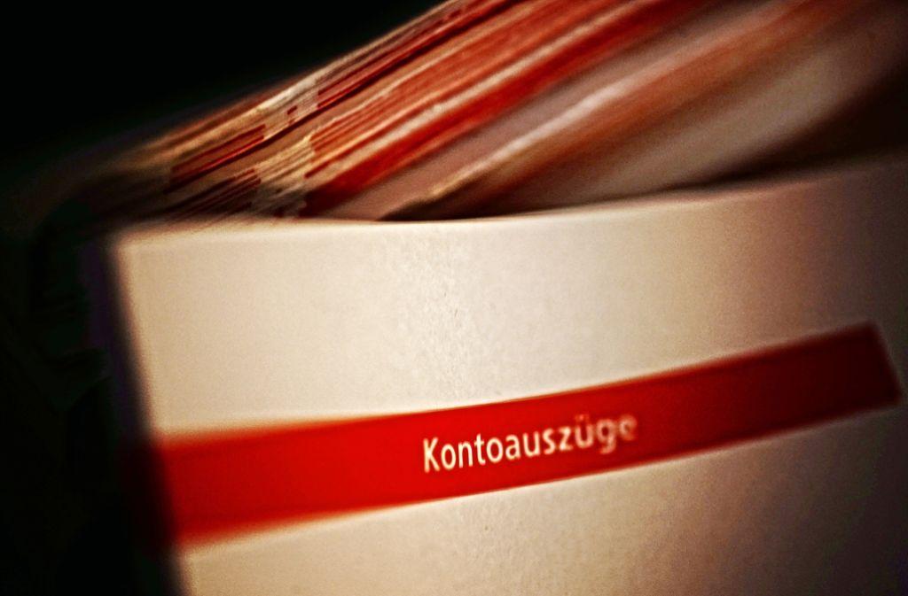 """Der Posten  """"Gebühren"""" wird  auf den Kontoauszügen der Kreissparkasse im neuen Jahr größer werden. Foto: Stoppel/Archiv"""