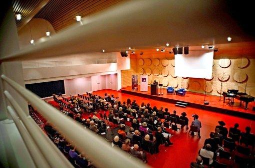 Dezentral finden deutschlandweit  Veranstaltungen statt – wie  2015 im  Stuttgarter Hospitalhof, als  Ludwigshafen Gastgeber der Woche der Brüderlichkeit war. Foto: LG/ Kovalenko