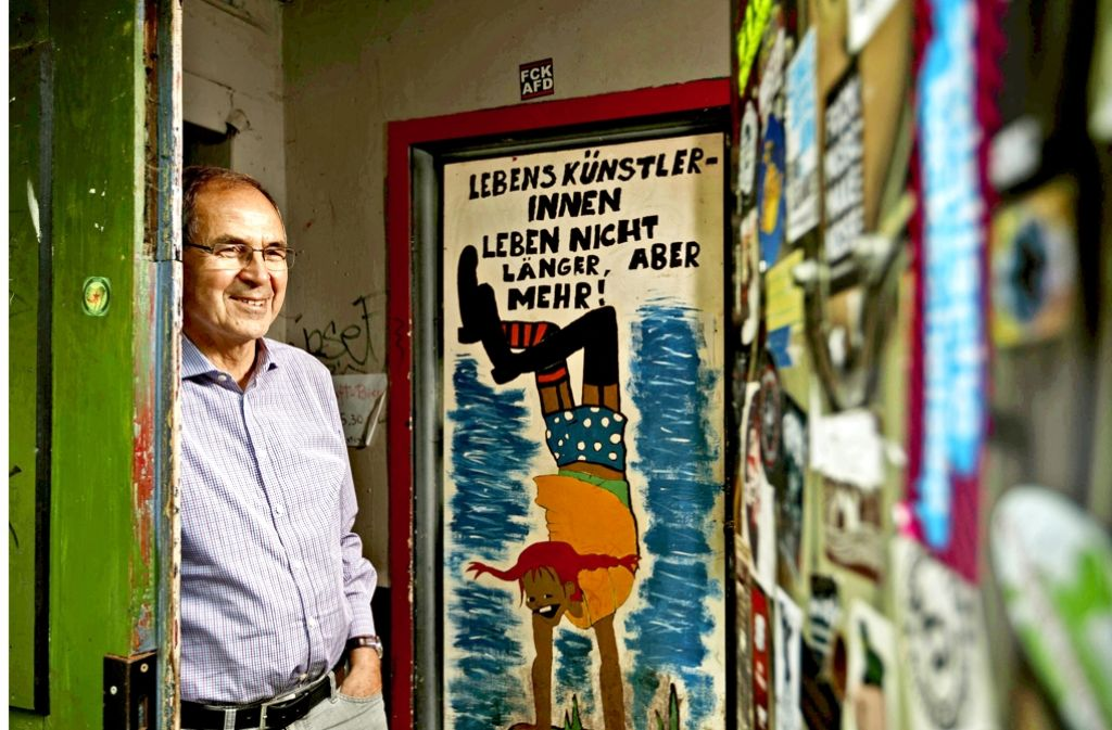 Nicht immer war die Clubarbeit die reine Freude: Alpha-Gründervater Walter Müller im Vereinsdomizil Löwenkeller Foto: Gottfried Stoppel