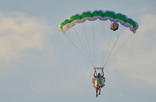 20-jähriger Fallschirmspringer stirbt nach Unglück