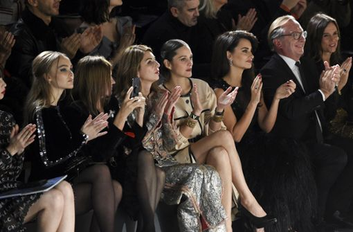Promi-Auflauf bei Karl Lagerfeld