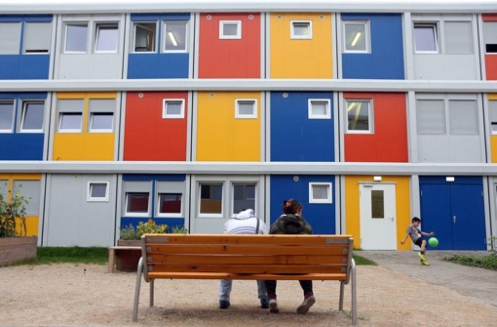 unterbringung von fl chtlingen kommunen fordern eine milliarde euro baden w rttemberg. Black Bedroom Furniture Sets. Home Design Ideas