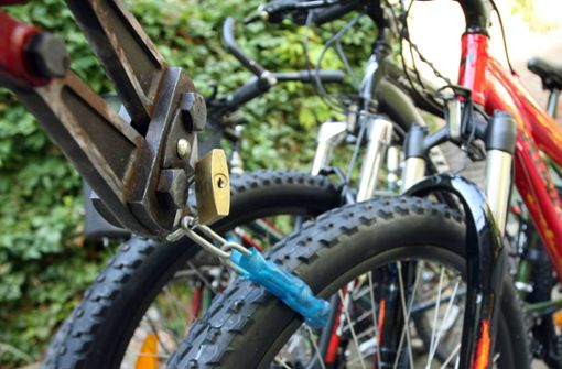 Hochwertige Mountainbikes aus Fahrradschuppen gestohlen