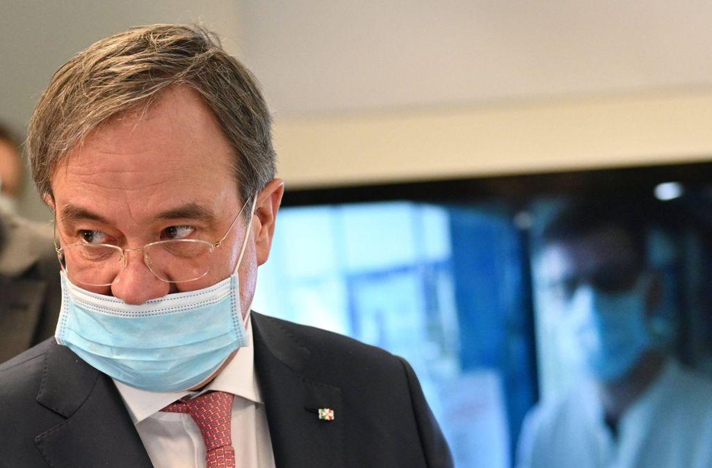 Armin Laschet trägt nasenfrei... Foto: dpa