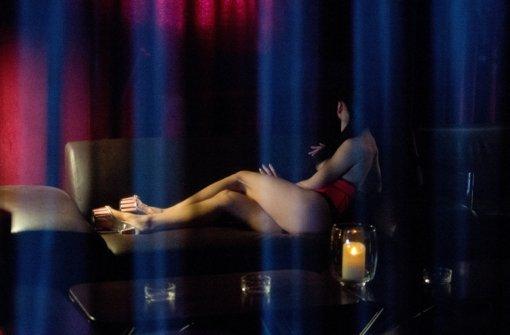 An der Leonhardstraße arbeiten wieder Prostituierte in einem Bordell, das eigentlich geschlossen sein müsste. Foto: dpa