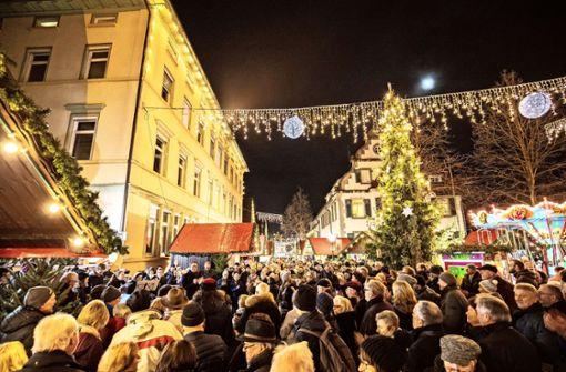 Kirchheim und Nürtingen locken mit Lichterglanz und Glühwein