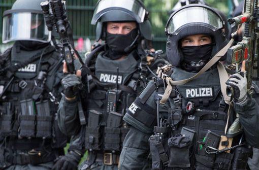 Mehr als 500 Polizisten heben hochkriminelle Drogenbande aus