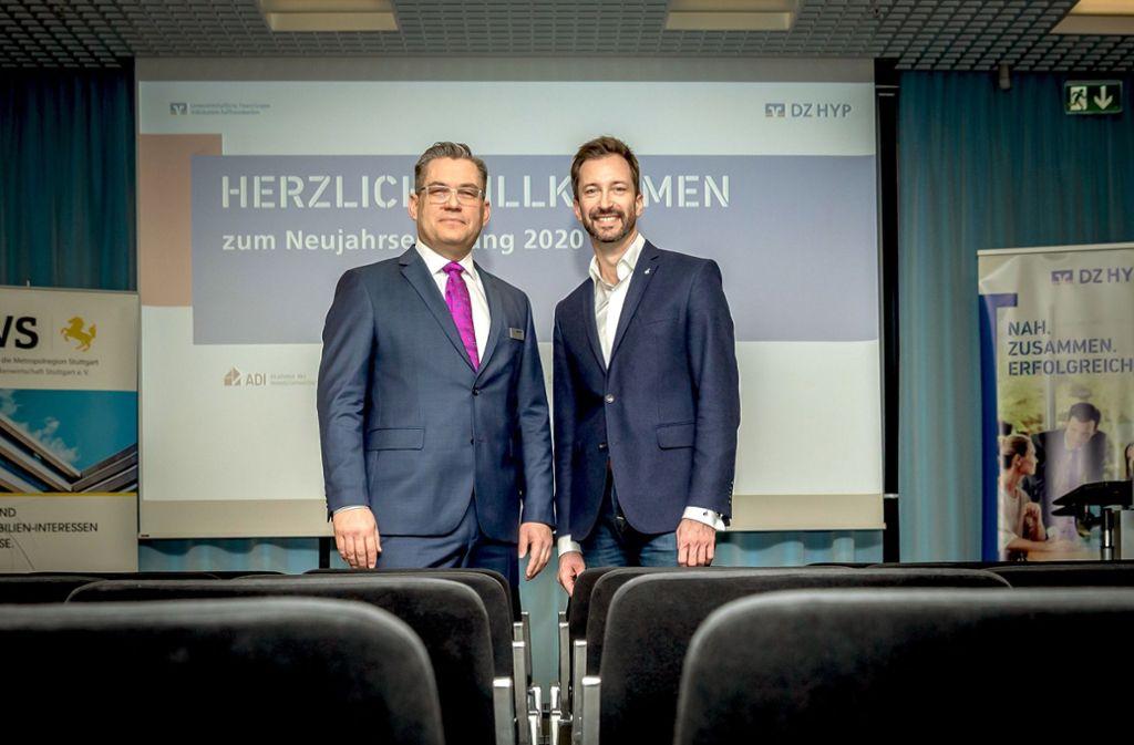 Martin Merkel, Leiter der DZ HYP in Stuttgart (li.), und der Kommunikationsexperte René Borbonus Foto: Lichtgut/Julian Rettig