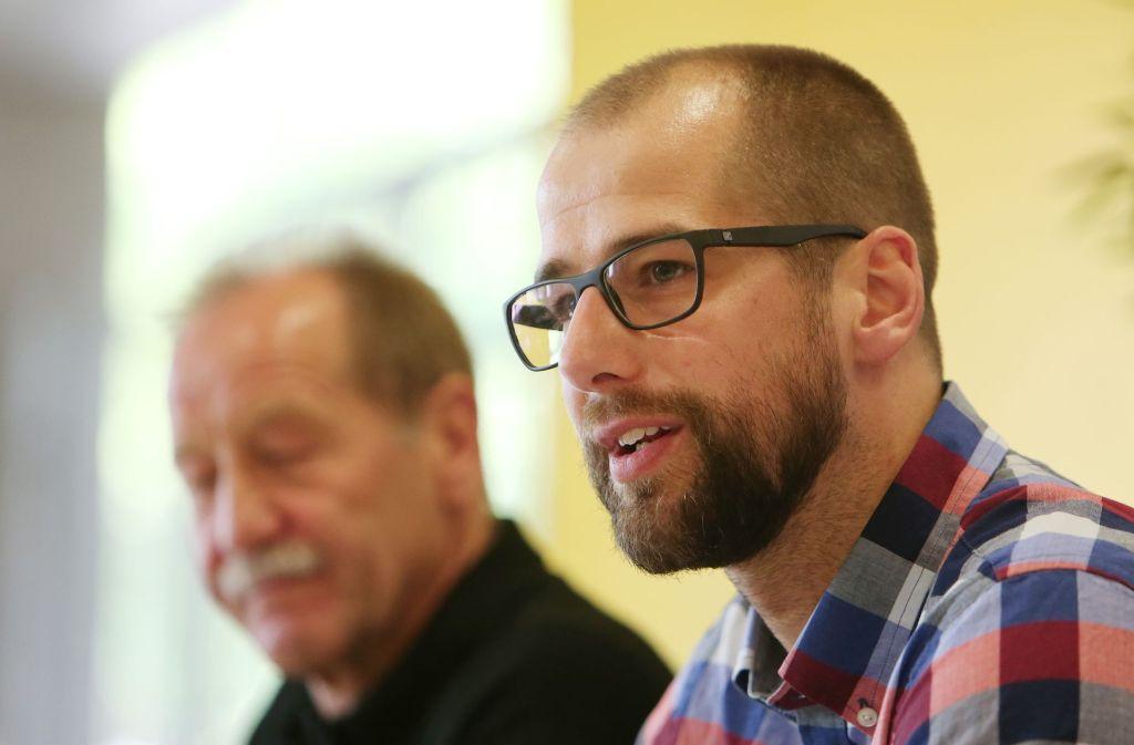 Jürgen Schweikardt freut sich über die Neuverpflichtung Joans Maier. Foto: Pressefoto Baumann